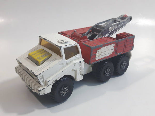 Vintage 1975 Lesney Matchbox Battle Kings K-14 K-110 Recovery Vehicle Tow Truck White and Red Die Cast Toy Car Vehicle