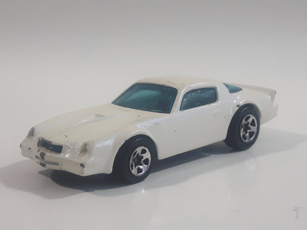 1996 Hot Wheels Chevrolet Camaro Z28 White Die Cast Toy Muscle Car Vehicle