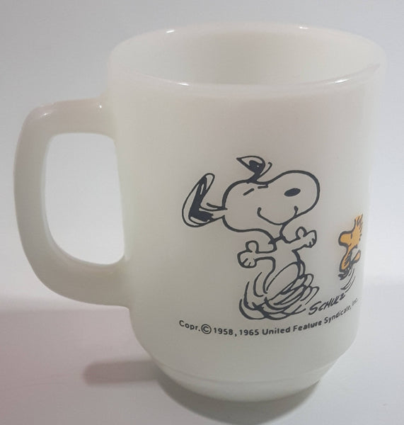 "Vintage 1965 Anchor Hocking Fire King Schulz Snoopy and Woodstock ""At Times Life Is Pure Joy!"" White Milk Glass Coffee Mug"