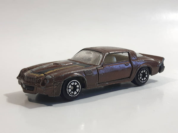 Vintage Yatming Chevy Camaro Z28 Brown No. 1077 Die Cast Toy Muscle Car Vehicle with Opening Doors Made in Hong Kong