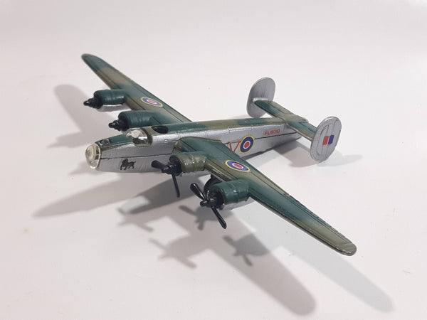 Maisto B-24D Liberator Bomber FL938 Green Brown Camouflage Die Cast Toy Military Air Force 4 Engine Airplane