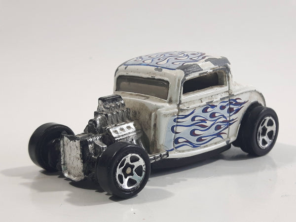 1999 Hot Wheels '32 Ford Roadster Metallic White Die Cast Toy Hot Rod Car Vehicle