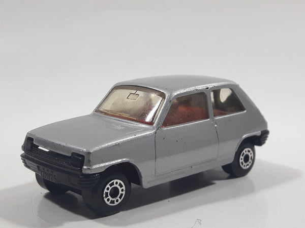 Vintage 1981 Lesney Matchbox Superfast No. 21 Renault 5TL Silver Grey Die Cast Toy Car Vehicle with Opening Rear Hatch
