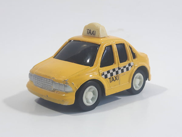 Unknown Brand Stubby Taxi Cab Pullback Motorized Friction Die Cast Toy Car Vehicle Key Chain