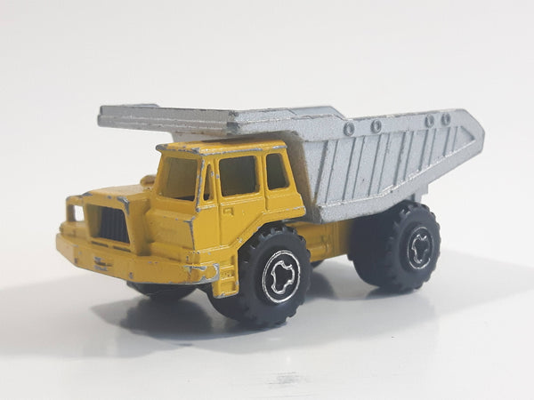 Majorette No. 274 Benne Carriere Quarry Super Dump Truck 1/100 Scale Yellow Grey Die Cast Toy Car Vehicle