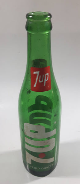 Vintage 1970s 7-UP Soda Beverage 10 Fluid Ounces Green Glass Bottle