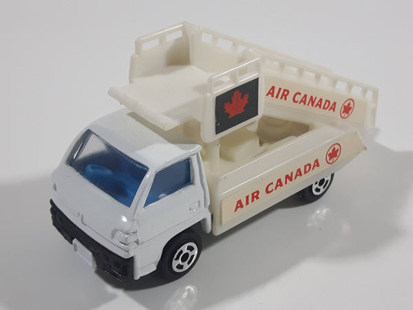 RealToy Air Canada Airplane Ladder Stairs Truck White Die Cast Toy Car Vehicle