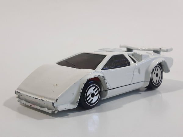 1988 Hot Wheels Speed Fleet Lamborghini Countach White Die Cast Toy Exotic Luxury Car Vehicle