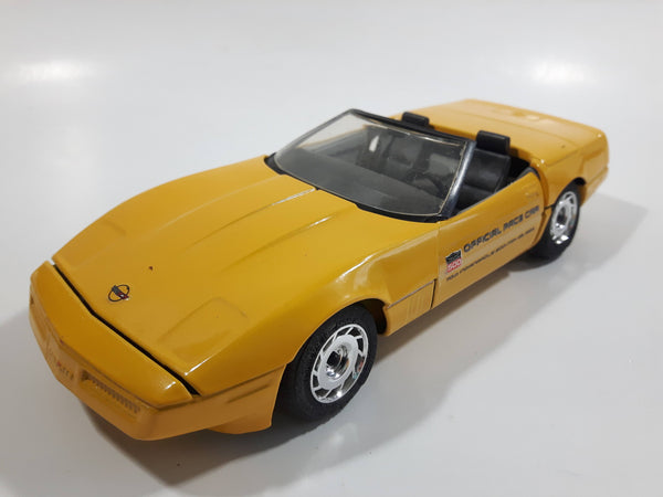 Majorette 1987 Corvette Official Pace Car 70th Indianapolis 500 1:24 Scale Yellow Die Cast Toy Car Vehicle with Opening Doors and Hood