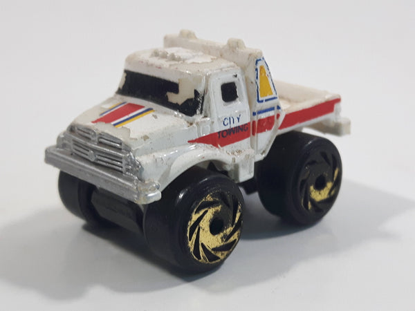 1987 Road Champs Tow Truck City Towing White Micro Mini Die Cast Toy Car Vehicle