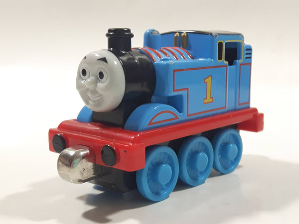 "2009 Mattel Thomas & Friends #1 Thomas The Tank Engine 3"" Long Magnetic Die Cast Toy Vehicle R8847"