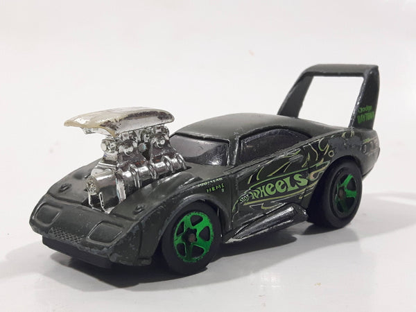 2004 Hot Wheels Racing Tooned '69 Dodge Daytona Satin Olive Green Die Cast Toy Car Vehicle