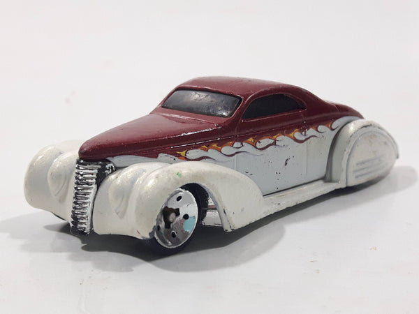 2006 Hot Wheels Open Stock Swoop Coupe White and Red Die Cast Toy Low Rider Hot Rod Car Vehicle