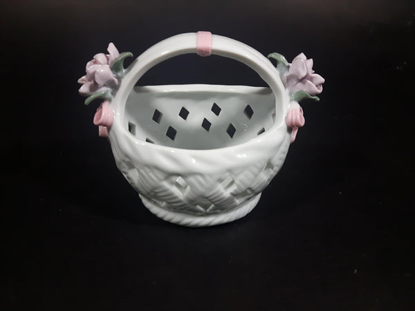 Vintage Porcelain Glass Floral Rose Woven Pattern Easter Basket Decor. - Treasure Valley Antiques & Collectibles