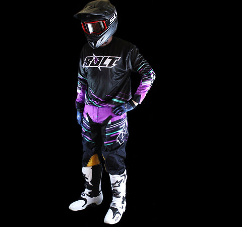 Bolt Everywear Black/Purple Line