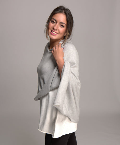 cashmere poncho in light ash