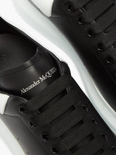 Alexander McQueen Leather Trainers - Black/White