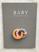 AST + CO Essential Teething Ring