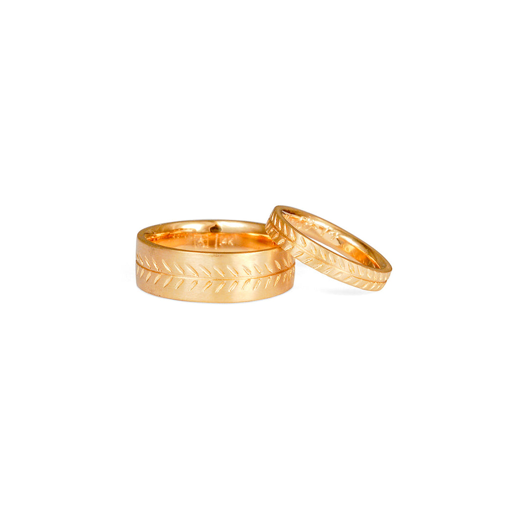Etched Vine Wedding Ring Set