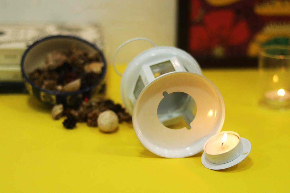 Diwali decoration light. White tea light candle holder. L2