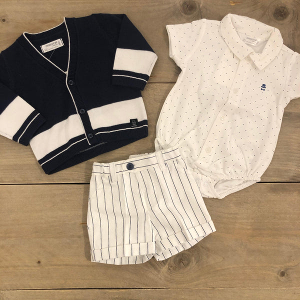 Mayoral Newborn short white - Petit Bébé