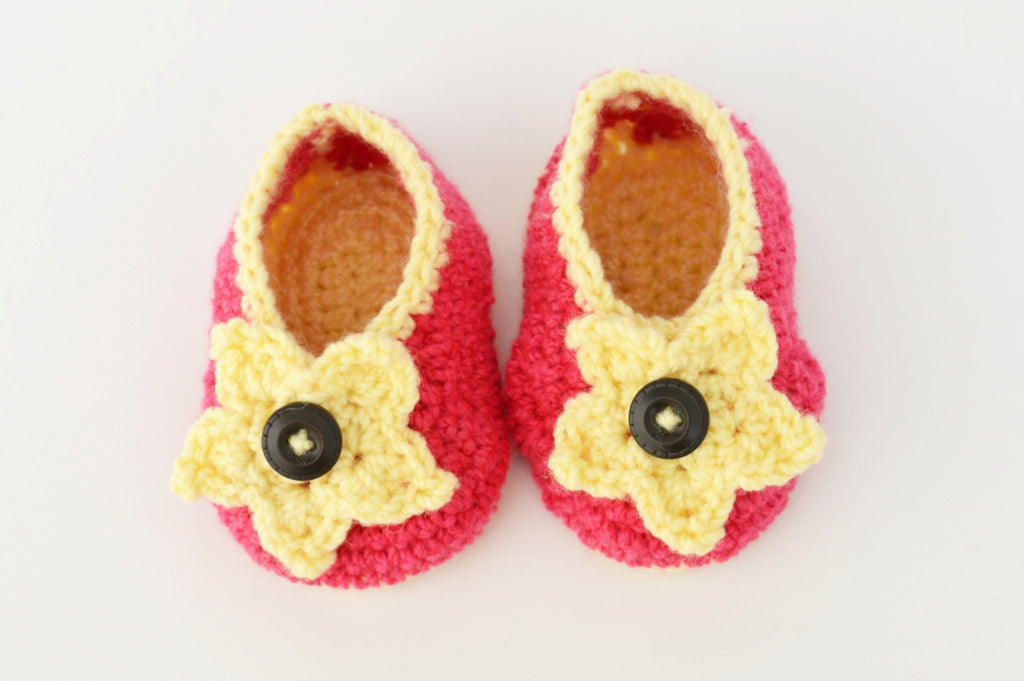 Crochet Baby Booties - Pink with Off white Star Flower - Mistics