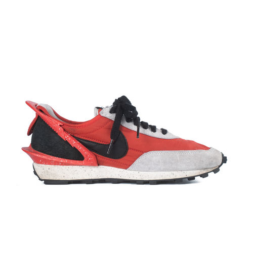 NIKE DAYBREAK UNDERCOVER UNIVERSITY RED W