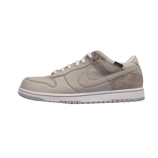 "2008 NIKE DUNK LOW WP ""MEDICOM 5 GORE-TEX"""