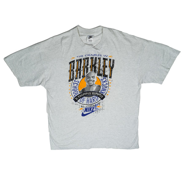 "90'S VINTAGE NIKE CHARLES BARKLEY ""SCHOOL OF HARD ROCKS"" TEE"