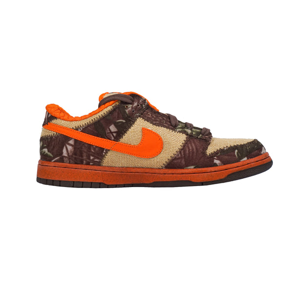 "2004 NIKE DUNK SB LOW ""REESE FORBES HUNTER"""