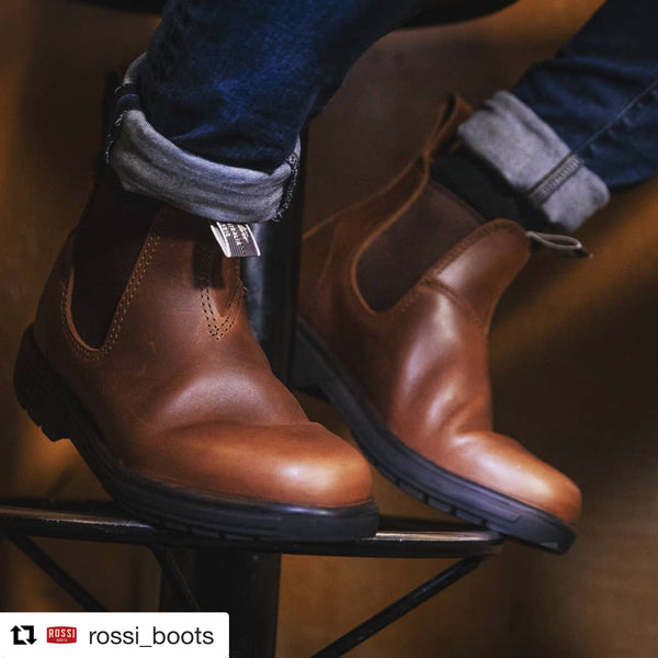 Rossi Boots Close-Up Brown Leather