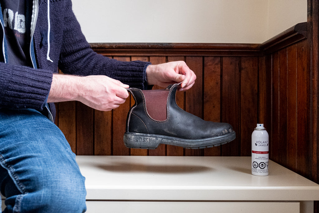 how to apply Volant James Universal Shoe Stretch Spray