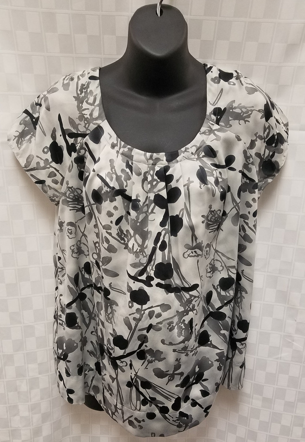 Medium Black & Gray Cap Sleeve Maternity Blouse