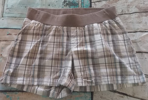Small Under Belly Panel Plaid Maternity Shorts