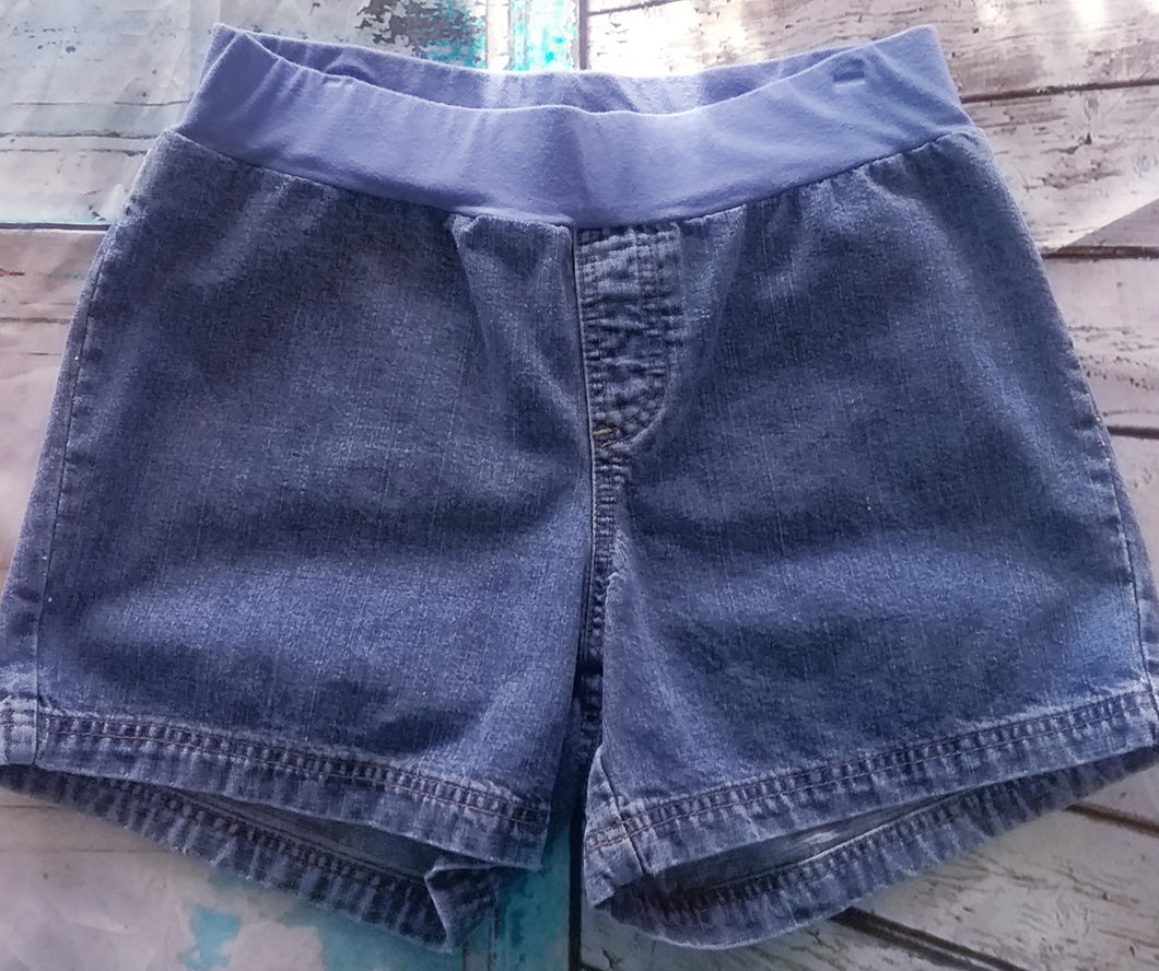 Medium Under Belly Panel Maternity Shorts