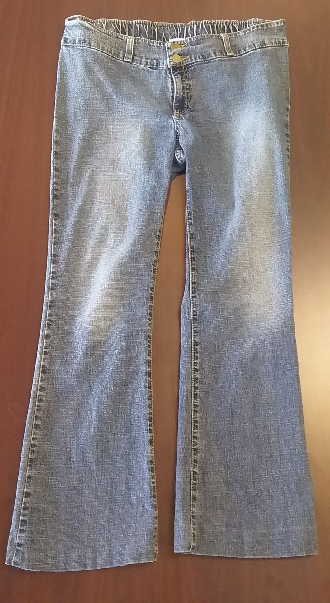 Medium Stretch Under Belly Mid Wash Jean