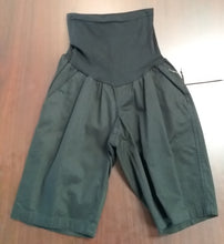 New Medium Full Panel Black Bermuda Shorts