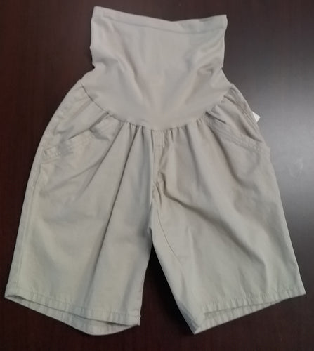 New Medium Full Panel Khaki Bermuda Shorts