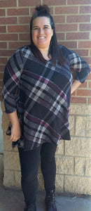 Black Plaid 3/4 Sleeve Shark Bite Tunic Top