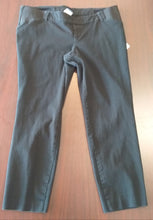 Size 12 Side Panel Black Pixie Capri Maternity Pants