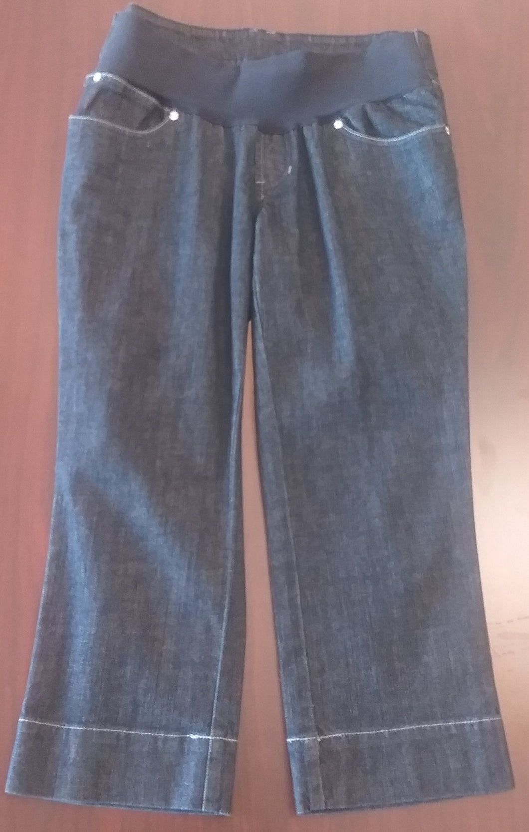 Small Under Belly Panel Dark Wash Jean Maternity Capri