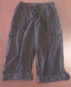 Size 6 Under Belly Panel Black Cargo Capri