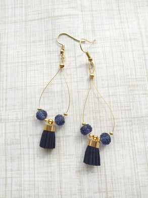 Navy on Wire