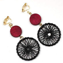 Load image into Gallery viewer, Clip Earrings Drag Acchiappasogni Earrings
