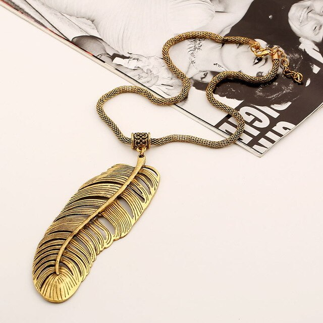 Necklace Drag Feather