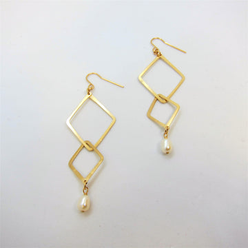 Forged Double Diamond Shaped Earrings with Rice Pearl