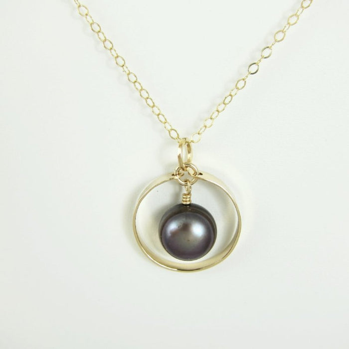 Forged 14k Gold Filled Circle with Peacock Pearl Center Necklace