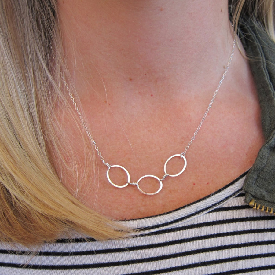 Forged 3 oval necklace