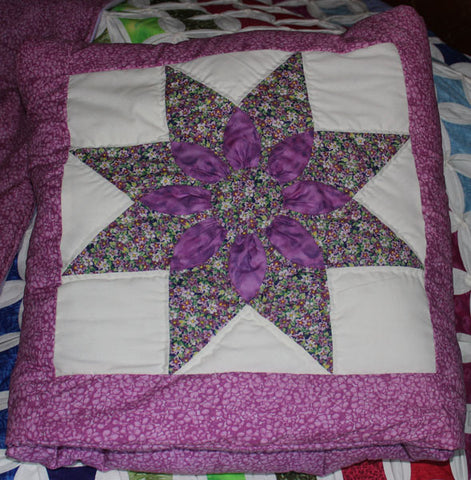 Lavender 8 point star quillow