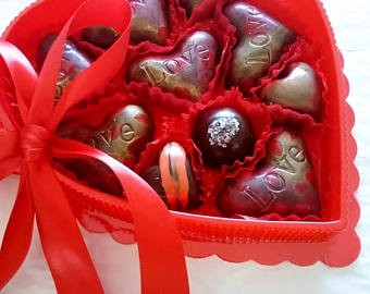 Valentine's or Mother's Day - Love Hearts / 10 Artisan Chocolates / ALL NATURAL - Chocolate.org